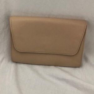 Handbags - NWOT Clutch purse